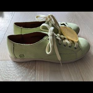 NWT Born Suede shoes Green